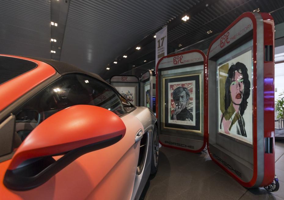 Elementos expositores POP Art The Factory By Porsche